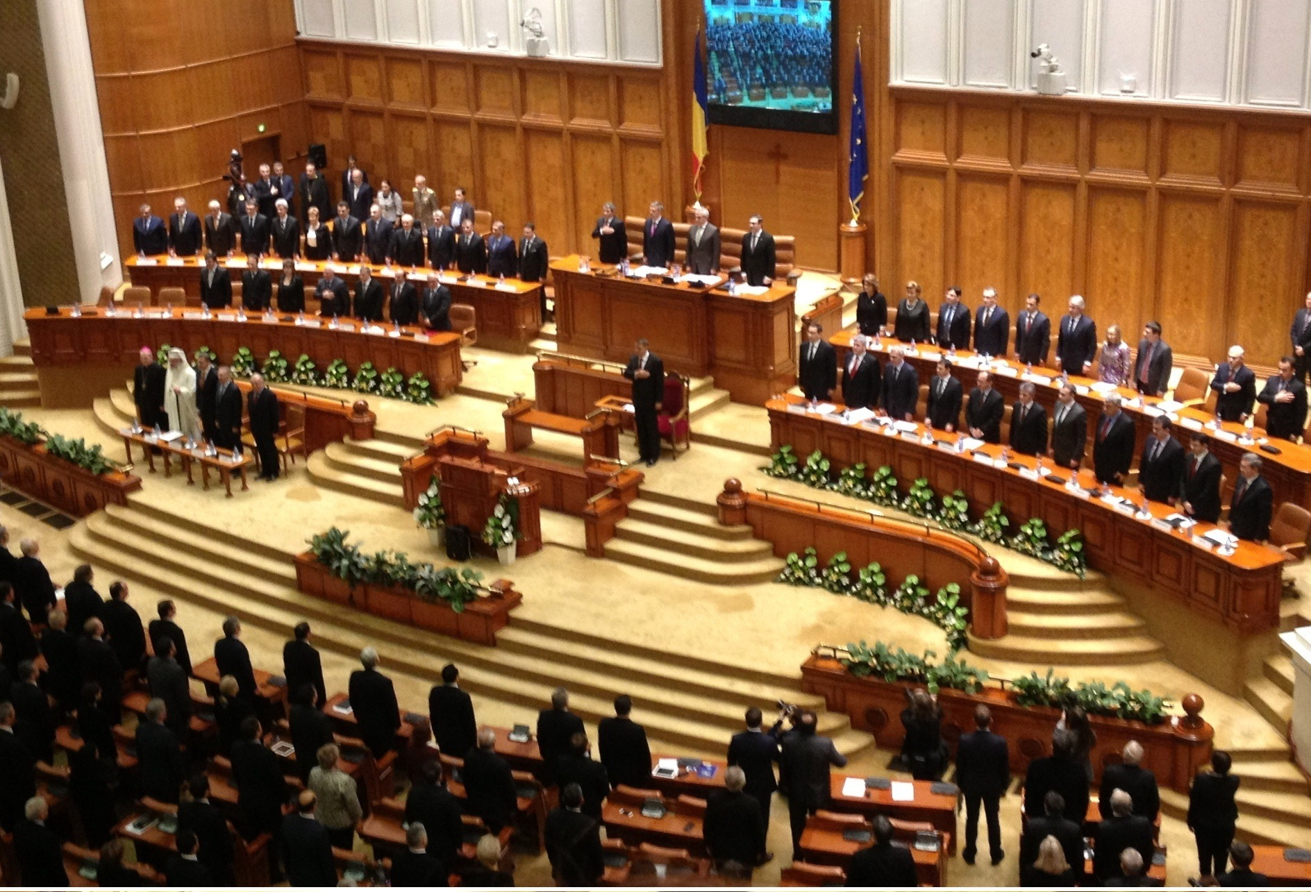 Primul an cu Iohannis: cat a tacut, cat a facut